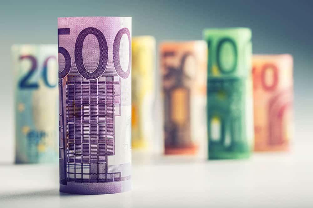 Euro took a slight plunge