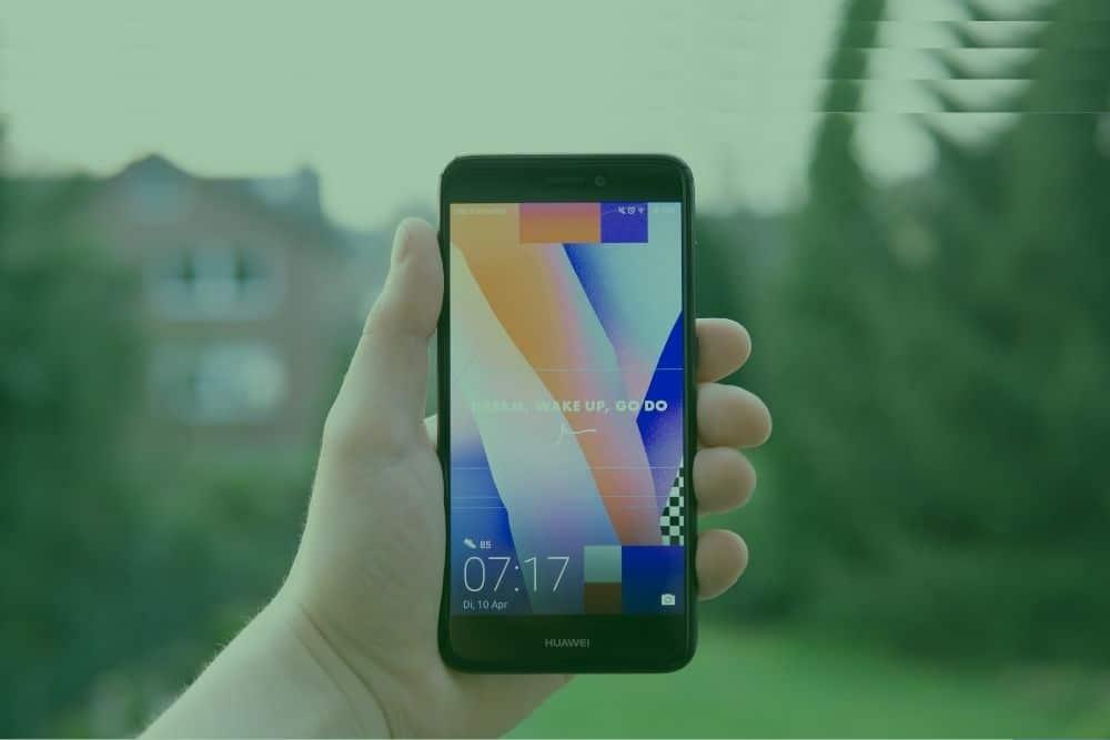 Huawei Surpasses Samsung, Becomes Top Phone Seller