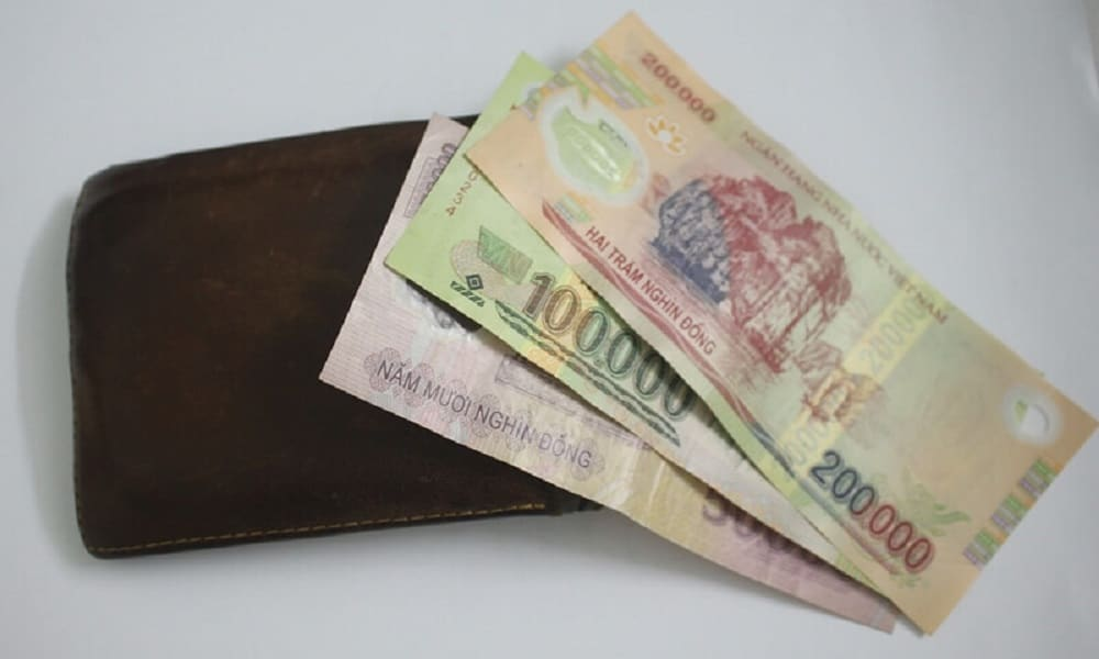 Vietnam undervalued its currency