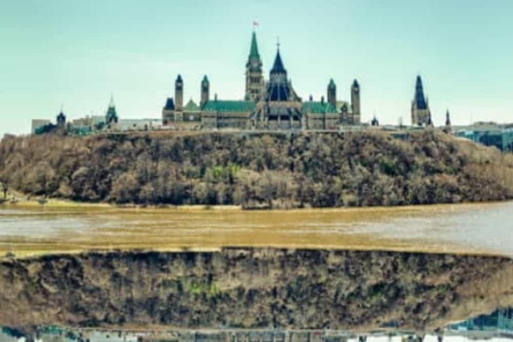 Canada-Market-Closes-Lower-S&P-TSX-Composite-Falls-1.93-%
