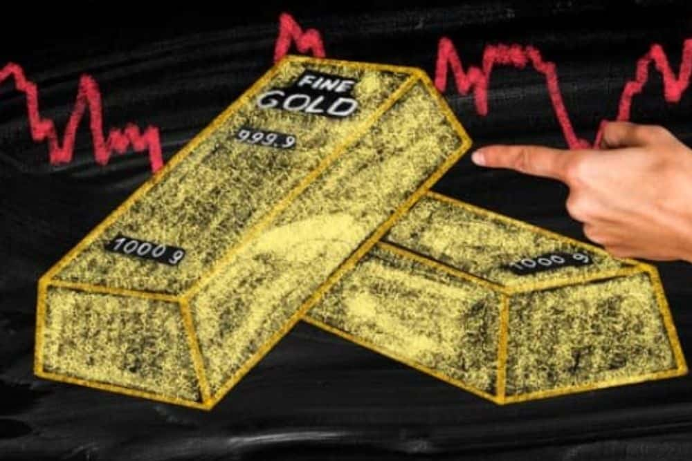 Gold-Prices-Plunge-As-US-Dollar-Shows-Might