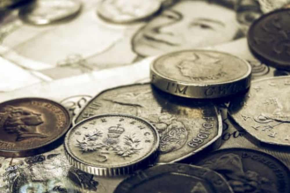 Pound-Slips-Amid-Worries-of-Brexit-Activities